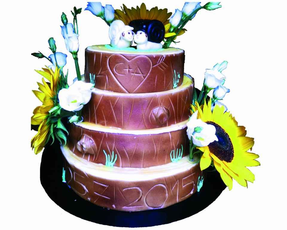 4 stöckige Hochzeit Torte mit Blumen
